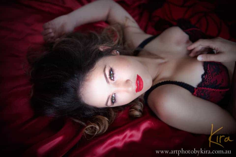 Glamour and boudoir photography session