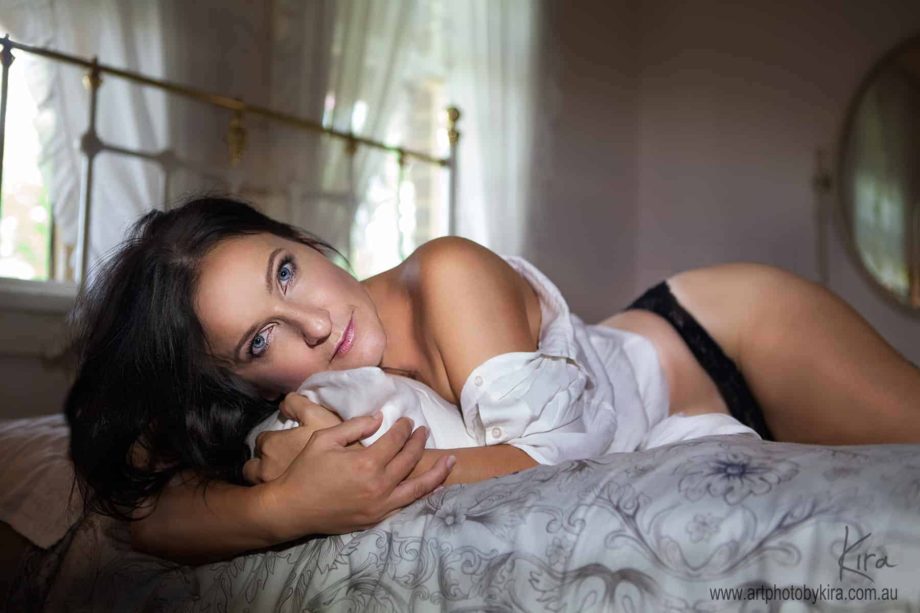 sexy boudoir photography  woman on bed
