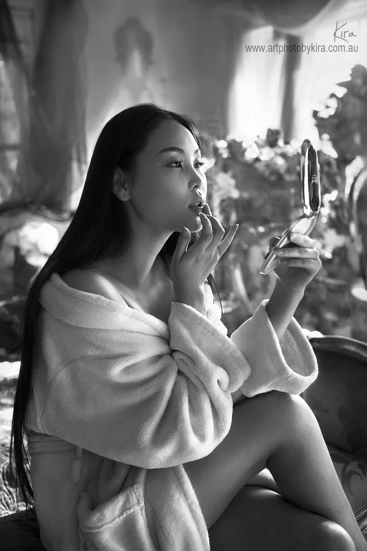 boudoir photographer Kira
