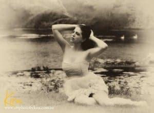 glamour-boudoir-portrait-photography-Sydney-art-photography-by-kira