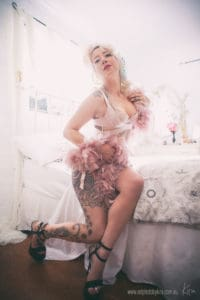 vintage boudoir photography St-Ives