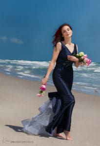 beach portrait photography Kira